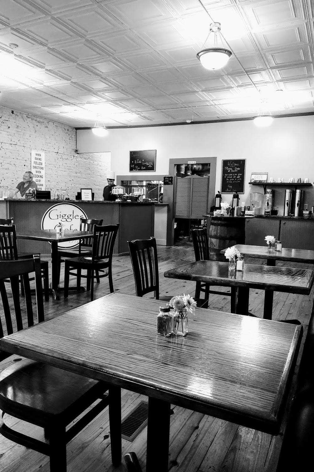 Giggles Cafe